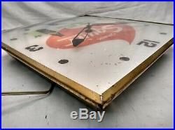 Vintage Original 1965 Squirt Soda Pop 15 Lighted Pam Metal Clock Sign
